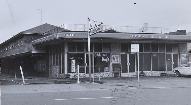 Clifton Hotel at 1 Botany Road, Waterloo, in 1970 (Tooth and Company hotel card, Noel Butlin Archives, ANU, N60-YC-150, http://hdl.handle.net/1885/97420)