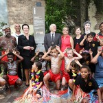 Lord Mayor Clover Moore, with Deputy Mayor Irene Doutney, Uncle Chicka Madden, Uncle Max Eulo, Nathan Moran and local school children (image courtesy City of Sydney)